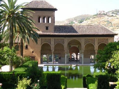 Granada_Spanje-Generalife_Alhambra_Alhambra_Andalusie_Granada.jpg