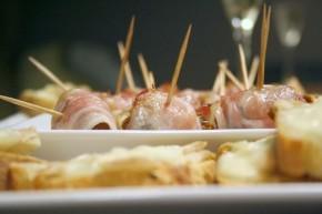 Dadels met chorizo en spek